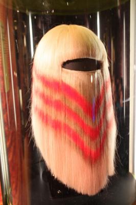 Le cheveu, de mèche avec la science au Palais de la Découverte