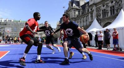 Le Basket envahit Paris et l'Hôtel de Ville