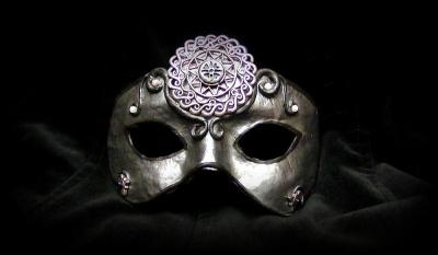 Mascarade : Tendancieux ? Elégant ? Décadent ? Masqué