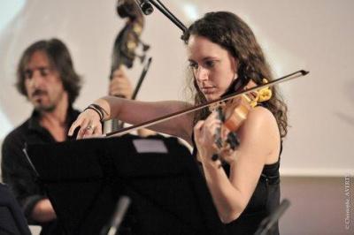 Caroline Pearsarll - Violoncelle bandonéon voix