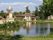 Le Château de Versailles raconte le mobilier national, quatre siècles de création