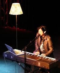 Steve Hogarth - Piano / Voix