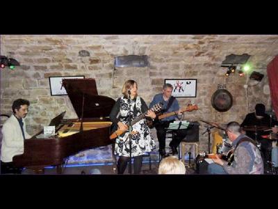Juliana Olm & Sambarilo''w trio Soirée Brésil