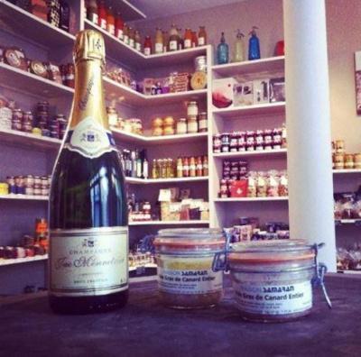 Dégustation de champagne et de foie gras à l'epicerie Saint-Sabin