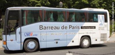 Le bus Barreau de Paris Solidarité s'installe à Paris Plage