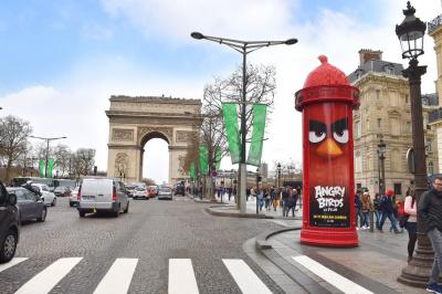 Angry Birds - Le Film fait rougir une colonne Morris pour sa sortie en salles