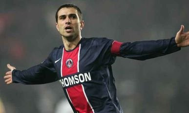 Pauleta - Paris Saint Germain PSG /Lens - 27.11.2005 - L1 - foot football - largeur attitude joie