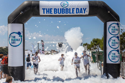 The Bubble Day 2016, la course à bulles déjantée revient à Paris