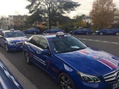 Des Taxis aux couleurs du PSG à Paris