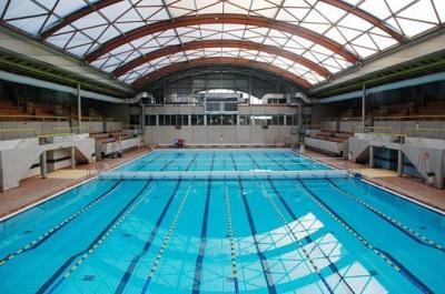 Les piscines d couvertes paris pendant l 39 t - Piscine municipale paris 19 ...