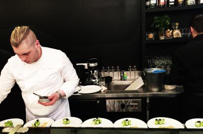 L 39 atelier du tartare nouveau rendez vous frais et for Hotel food bar atelier 84