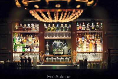La Maison Souquet et son bar confidentiel, à deux pas du Moulin Rouge