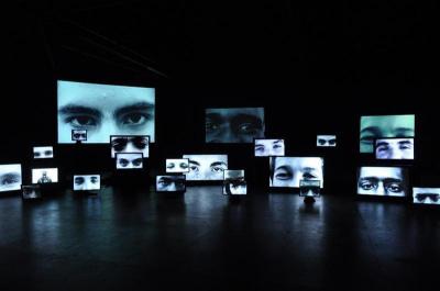 Terres arbitraires, une installation vidéo immersive de Nicolas Clauss