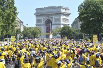 Les Champs pour Elles : 2024 femmes sur le Tour de France pour soutenir Paris 2024