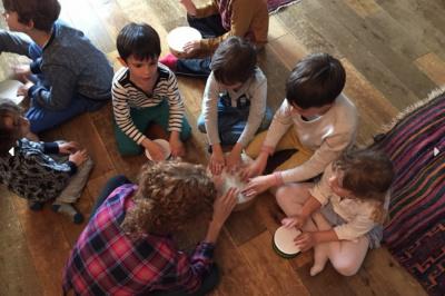 Kidwi.mom, des activités pour enfants chez des particuliers près de chez vous