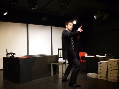 Déséquilibre, une comédie absurde dès janvier au théâtre Michel Galabru