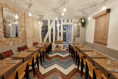 Testez la cuisine israélienne chez Tavline !