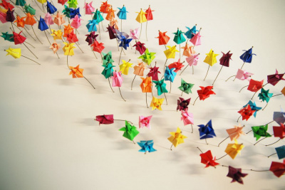 700 animaux en origami envahissent Beaugrenelle !