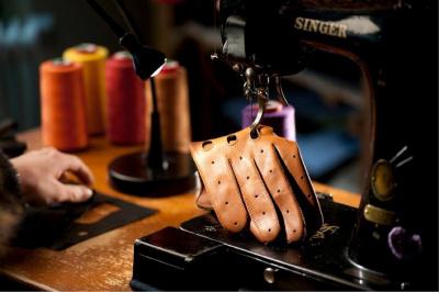 Accessoires Trilogie, l'expo dédiée à la chaussure, ganterie et maroquinerie