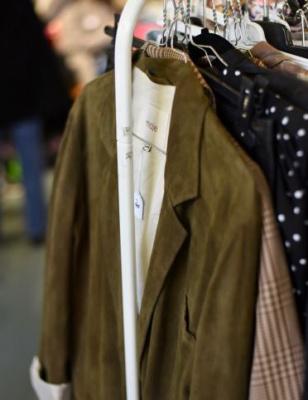 Violette Sauvage revient avec le plus grand vide-dressing de France !
