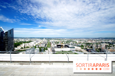 Réouverture du toit de la Grande Arche de La Défense