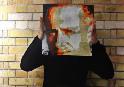 BRIKX et ses portraits en briques s'exposent à Charenton-le-Pont