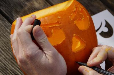 Sculpture de Potirons pour Halloween à la ferme du Viltain