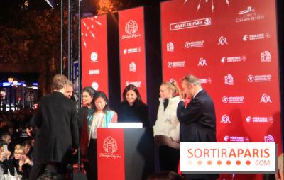 Illuminations des Champs Elysées 2017 avec Lily Rose Depp