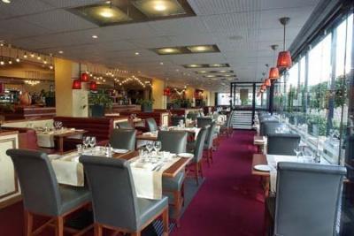 Restaurant La Fayette. Paris
