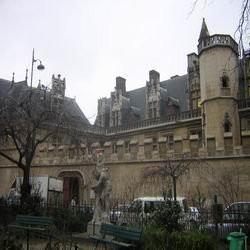 Moyen-Age-Thermes-de-Cluny