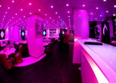 Les restaurants ouverts la nuit for Garage ouvert la nuit paris