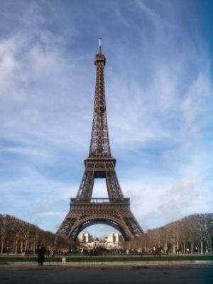 La tour eiffel se refait une beaut - La dame de fer tour eiffel ...