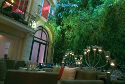 Pershing Hall Hôtel Restaurant Bar
