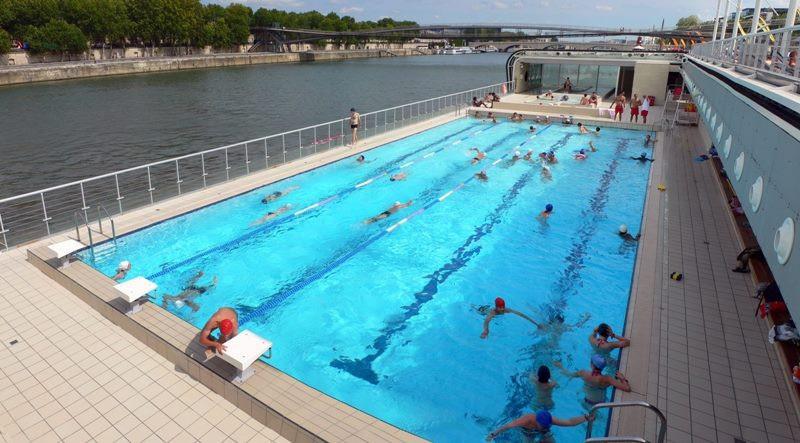 Les piscines d couvertes paris pendant l 39 t for Piscine 75019