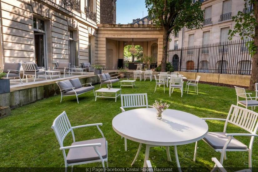 jardin bbar la terrasse chic et paisible du cristal room baccarat. Black Bedroom Furniture Sets. Home Design Ideas