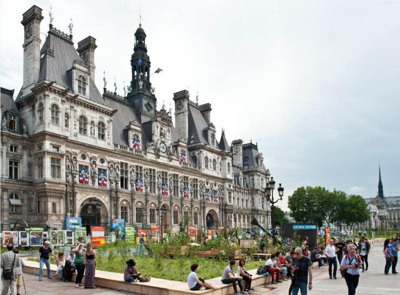 Paris Expositions Hotel De Ville