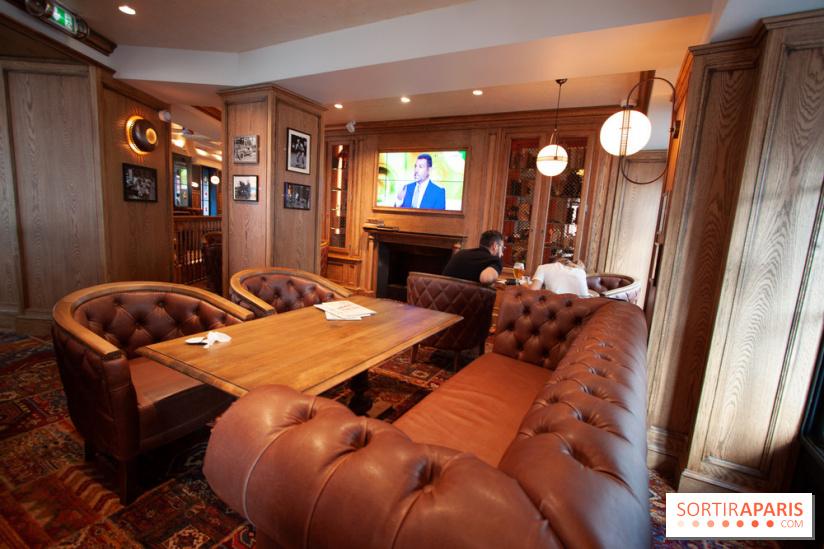 au bureau commerce la brasserie pub d couvrir dans le. Black Bedroom Furniture Sets. Home Design Ideas