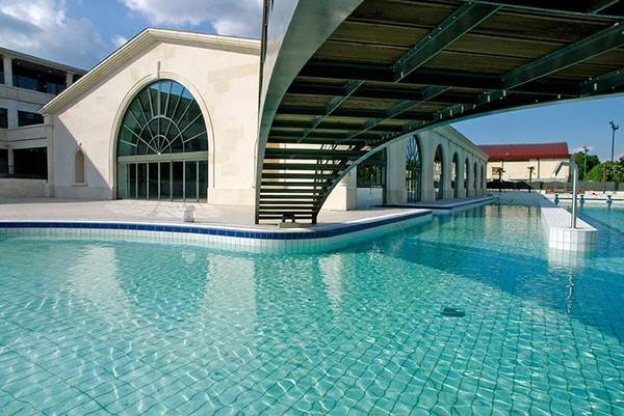 Les plus belles piscines découvertes à Paris et en Ile-de-France ...