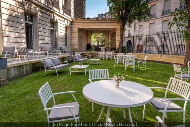 Jardin Bbar La Terrasse Chic Et Paisible Du Cristal Room Baccarat
