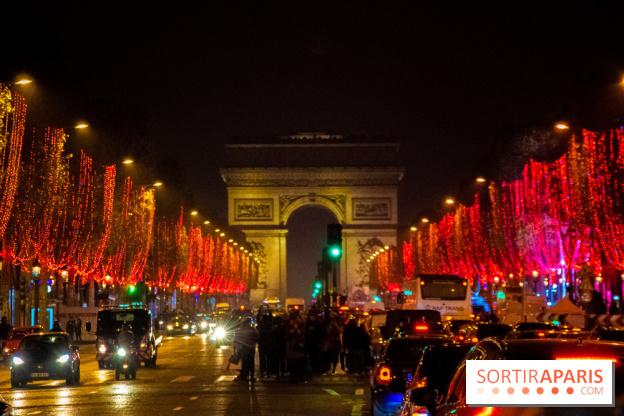 5c683b4af76 ... avenue Les Illuminations de Noël des Champs-Elysées 2018 avec Karl  Lagerfeld