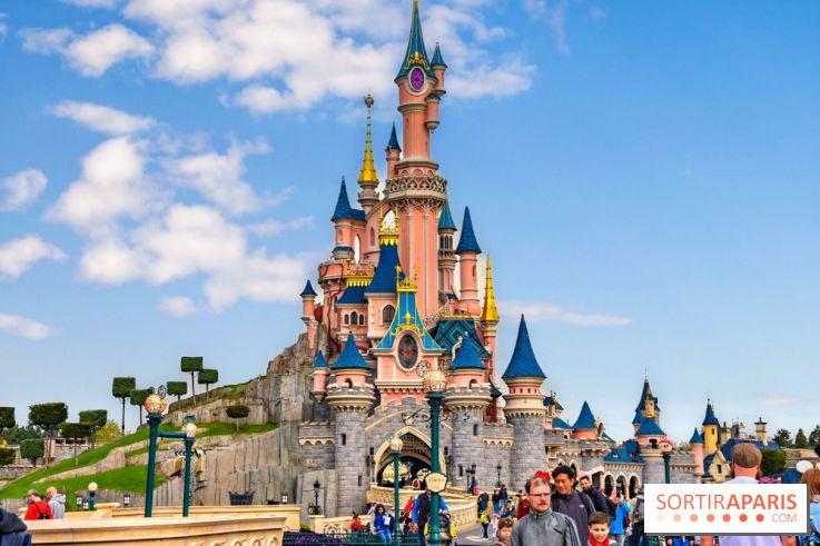 Disneyland Paris At Christmas 2019.Marvel Star Wars And Frozen Disneyland Paris New Lands