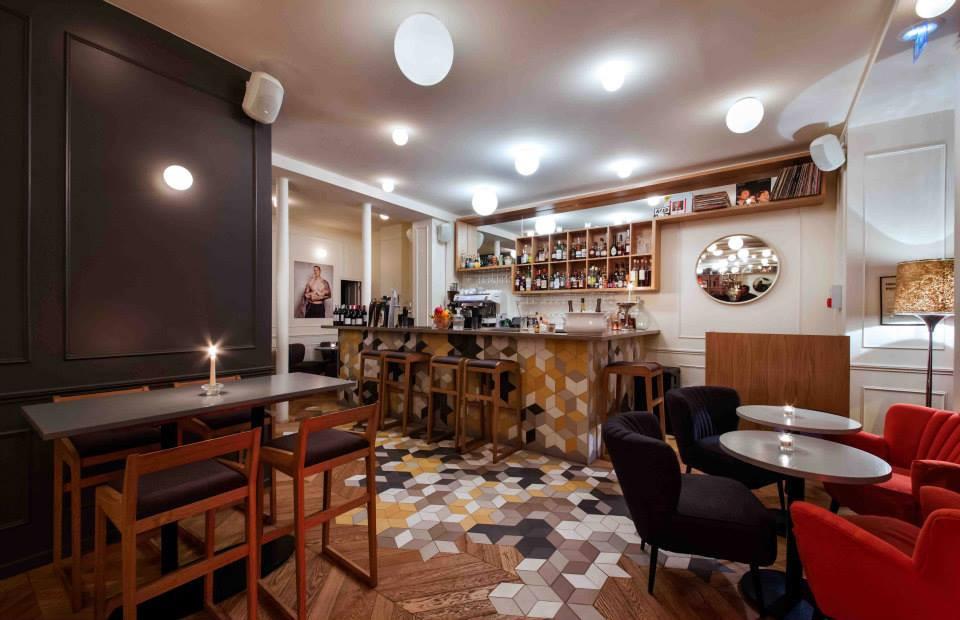 la maison f frites chic et bar cocktails. Black Bedroom Furniture Sets. Home Design Ideas