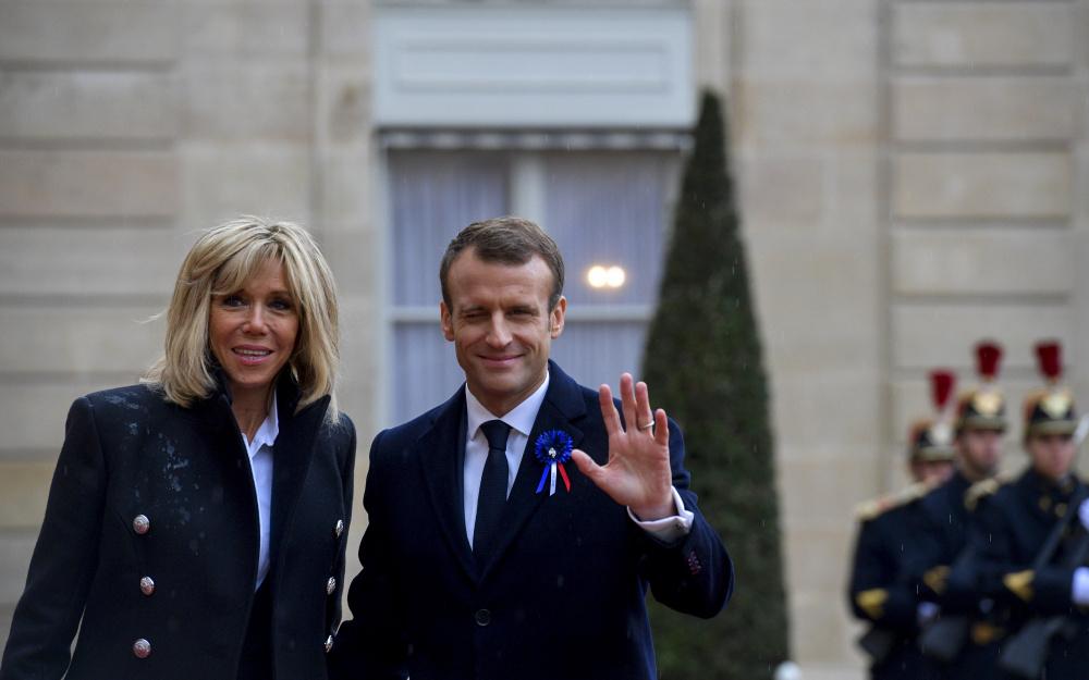 Coronavirus Brigitte Macron Contact Case She Goes Into Self Isolation For 7 Days Sortiraparis Com
