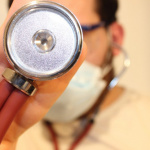 "Coronavirus : la ""langue Covid"", un nouveau symptôme de la maladie ?"