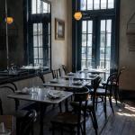 """Covid : les restaurants et cafés sont les """"principaux lieux de contamination"""" selon Jean Castex"""