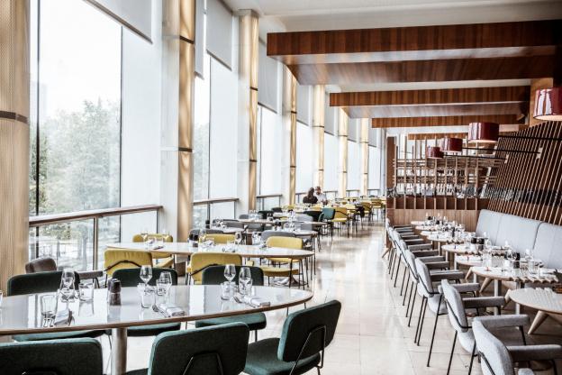 Le Hall De La Maison radioeat: maison de la radio perched restaurant - sortiraparis