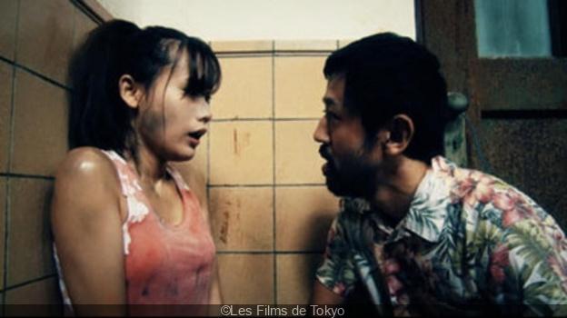 Le dernier film que vous avez vu - Page 10 425232-ne-coupez-pas-de-shinichiro-ueda-critique-et-bande-annonce-2