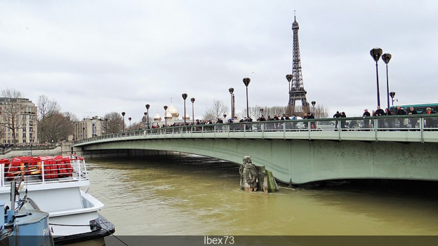 The Pont De L Alma In Paris Sortiraparis Com
