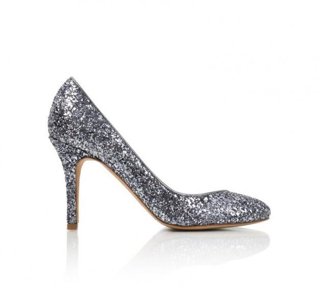 5bcfef4d10b ... Pour les fêtes Bobbies lance ses chaussures à paillettes ...