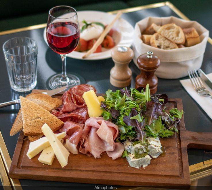 La Terrasse De Madame A New Restaurant In The Heart Of The